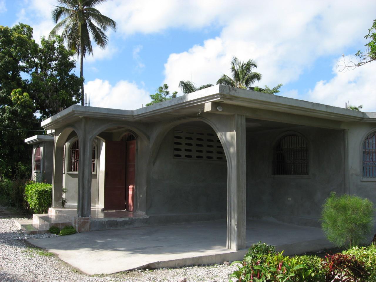 Saint louis de gonzague de fonfr de for Acheter une maison en haiti